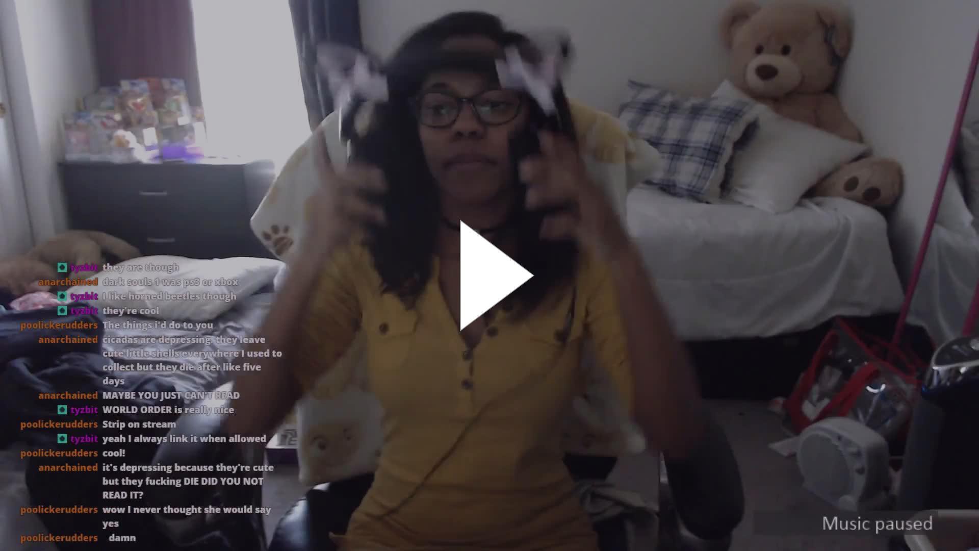Twitch Girl Strips