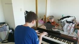 Destiny playing piano on LilyPichu's stream
