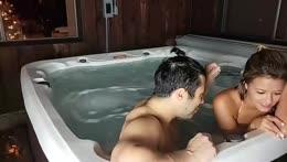 Aloha ❀ Hot Tub chillin! 1000 SUBS HYPE!!!!