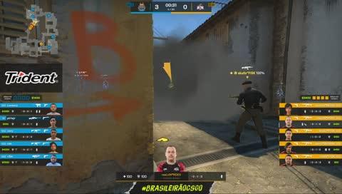 lucaozy brilha defendendo o bomb B, levando 4 jogadores da W7M   draft5.gg