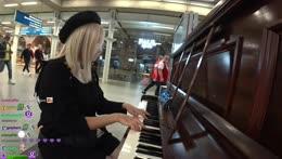 Last IRL Stream in London - Public Piano & Night View | !socials