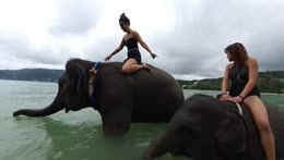 girls in Thailand