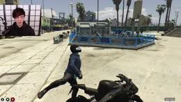 Sykkuno DESTROYS fella on GTA RP Nopixel server