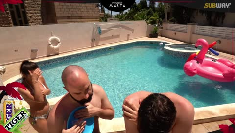 Yoga, Volleyball, Stretching in HOT POOL - !landlord !raiders !battle !vlog !malta