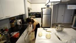 Makin custard milk bunz~