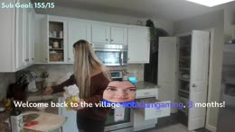 IM BACK!!! Cooking some burgers mmm !socials :)