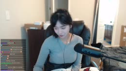 Yuggie and Jinny talking about their viewers