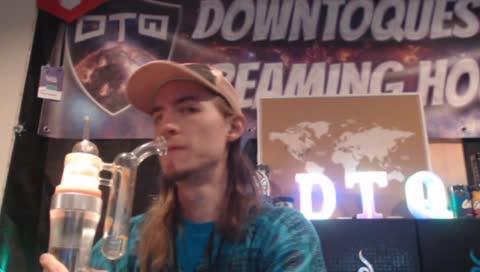 Jack dabbin it up on the slider cam!
