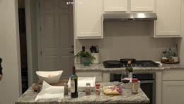 Soda+walks+in+on+Cyrs+Cooking+stream+in+his+kitchen