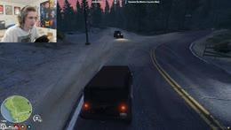 xQc trolls the people racing in GTA RP