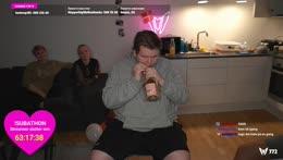 ned med den flaske