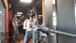 She def enjoyed da Machinegun!
