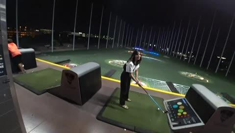 Gigi Tries Golfing