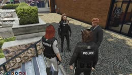 Ok, we find this guy and then we rob ... we raid - Trooper Copper (Hirona) 2021 [NoPixel]
