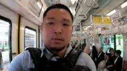 Hyub gifting a tenga to a random guy on Train
