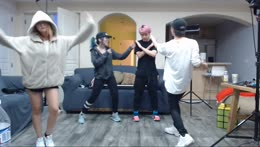 The KDA dance without the KDA music.