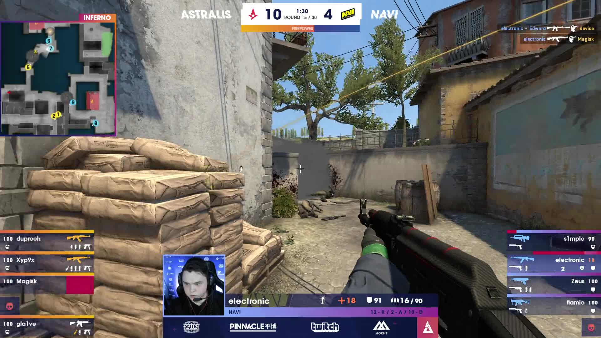 Look at Gla1ve's eyes just starring at the radar