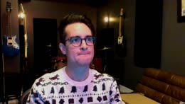 Stop spamming the chat ya'll it annoys us and Brendon.