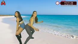Zora e Francesca twerkano per i donatori della maratona