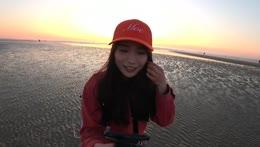 Meoko+sells+sea+shells+by+the+sea+shore.