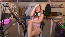 Alinity+explains+why+she+was+so+scared+by+the+knocking+prank