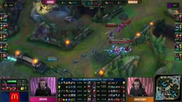 Triple turns a fight with a quadra kill, secures a series win