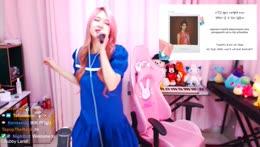 Hachubby sings IU