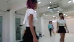 Actually good dancing!!! PogU Who is she?