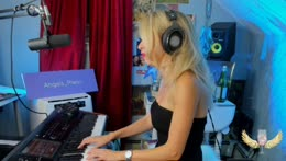 SOOTHING+SINGING+AND+PLAYING+PIANO+%E2%9D%A4%EF%B8%8F+ORIGINALS%2C+COVERS+%2B+REQUESTS%0A