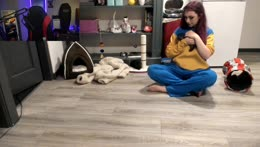 minx shows off her feet