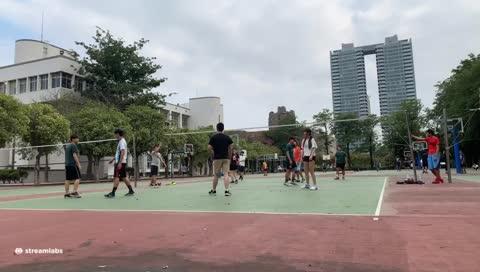 阿法打排球(發球、接殺球)