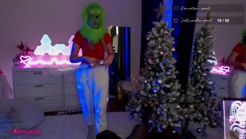 Berticuss - lil doggy: DONT STEAL my Christmas Tree