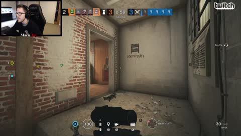 MacieJay - ONce the stream sniper is dead.. Macie goes pog
