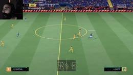 Ayoo the goalkeeeper hahahahaha KEKW
