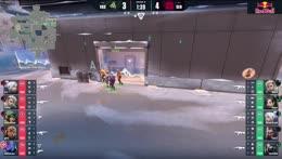muro de viper defendiendo a icebox mas jett angulo
