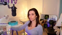 Cutting my hair on stream