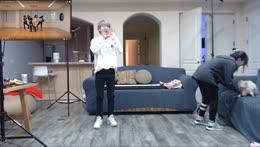 Jun trying to teach me k/da dance :D