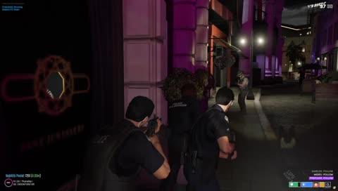 Náhledový obrázek klipu pokus o zásach